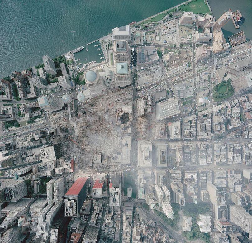 1062px-Aerial_photo_of_WTC_groundzero